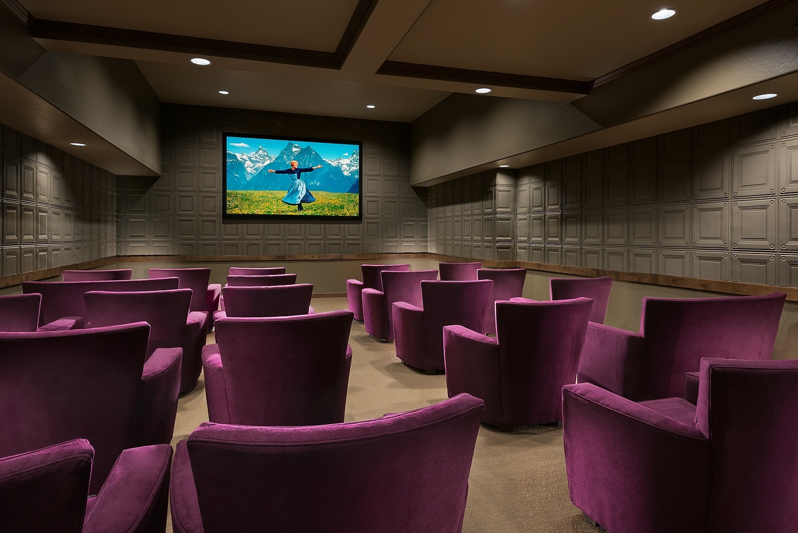 Senior-friendly furniture to create the movie theater in the retirement home